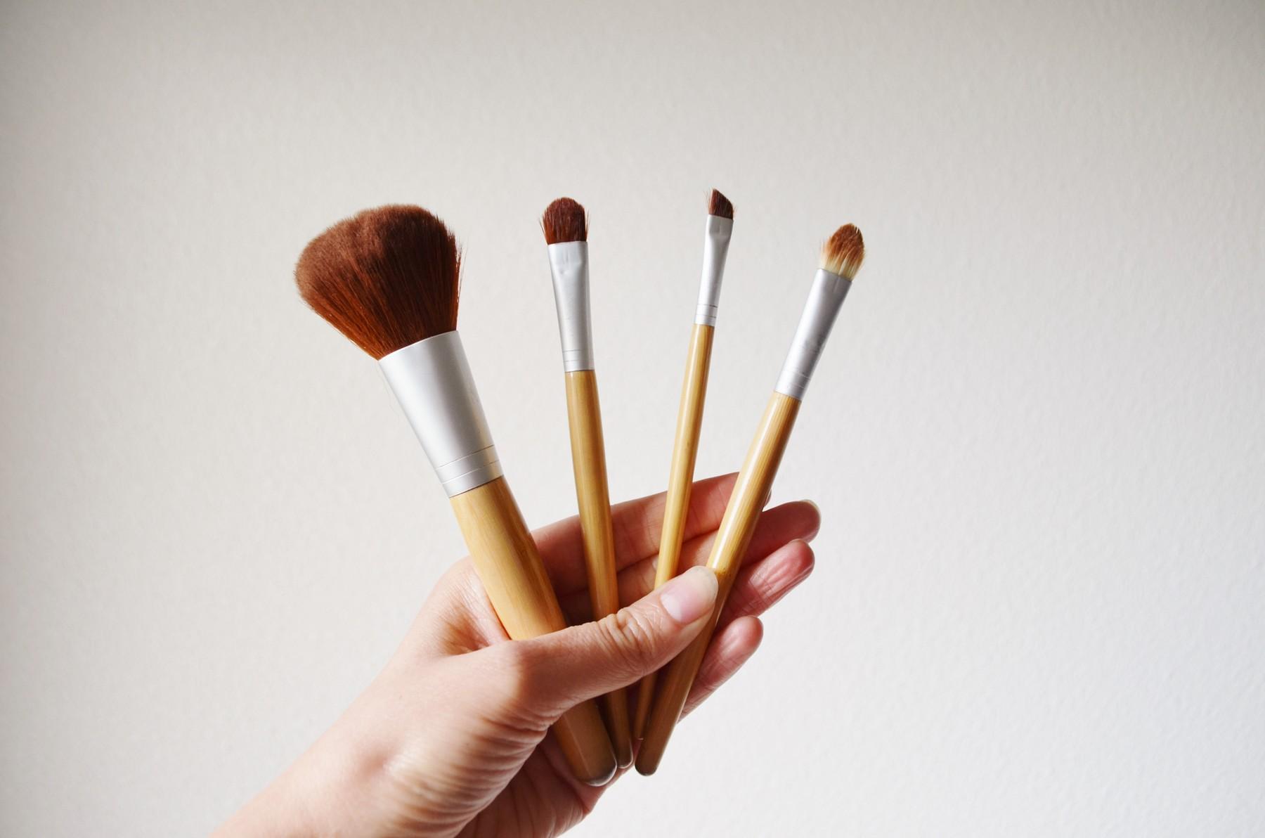 pinceaux-maquillage-ecologique-ethique-ecotools 2
